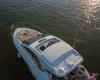 Sea Ray Sundyncer 350 Coupe 6